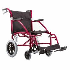 Легкая и компактная инвалидная коляска Ortonica Base 175 с усиленной рамой для передвижения с сопровождающим лицом.